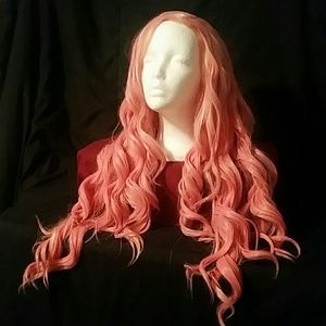 Hot pink curled synthetic wig 💟💗